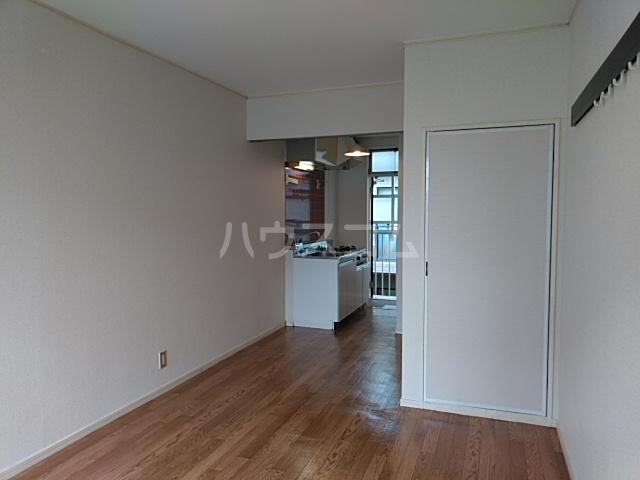 タウニィ相模台 205号室の居室