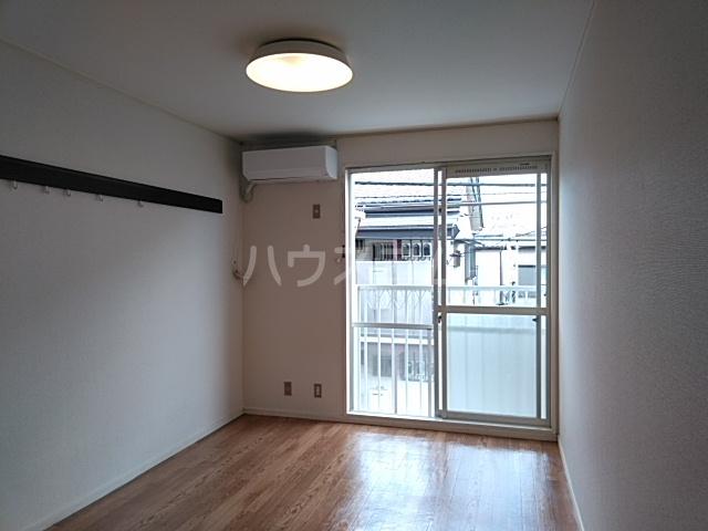 タウニィ相模台 205号室のリビング