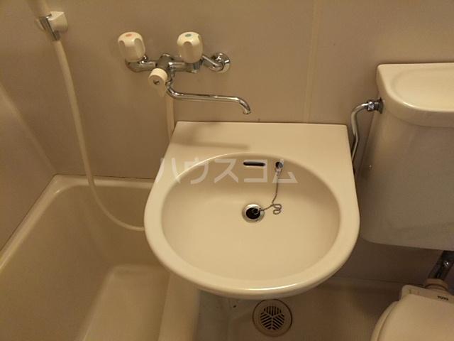 タウニィ相模台 205号室の洗面所