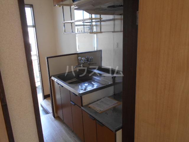 昭和記念荘 102号室のキッチン