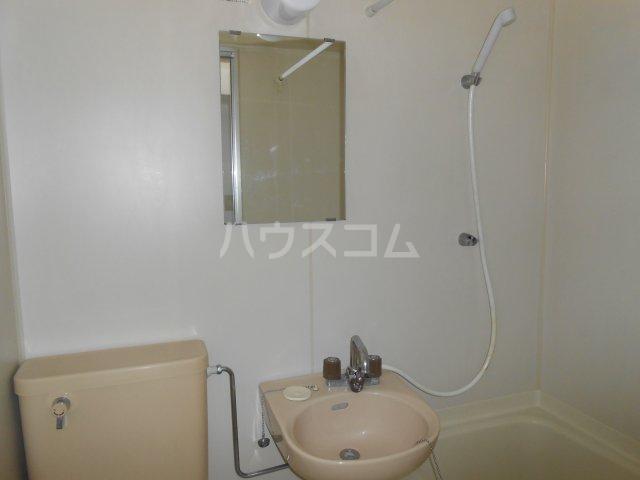 RX戸塚 405号室の洗面所