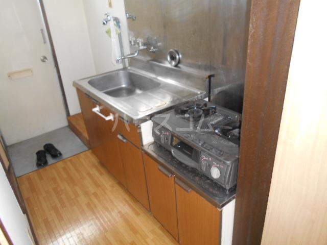 昭和記念荘 202号室のキッチン