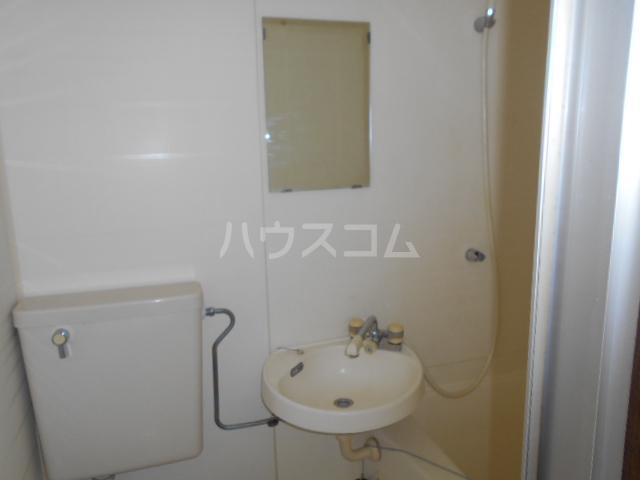 昭和記念荘 202号室の洗面所