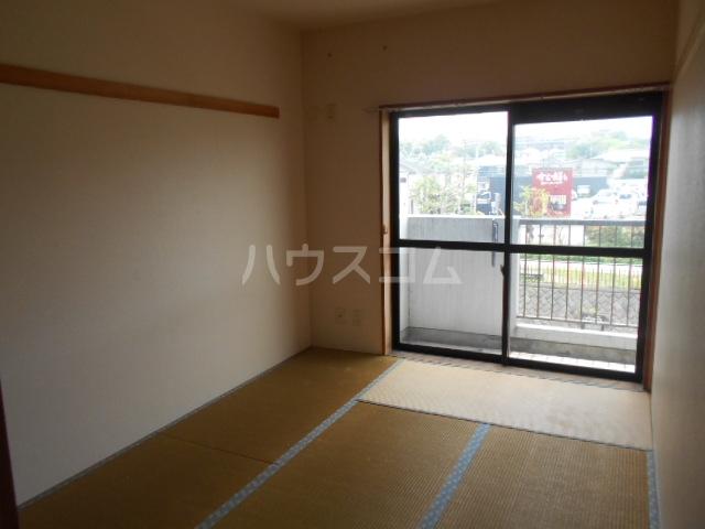 ヒヨシハイツ 204号室のベッドルーム
