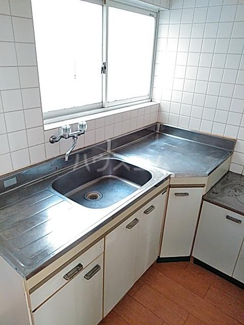 パレス井土ヶ谷 105号室のキッチン