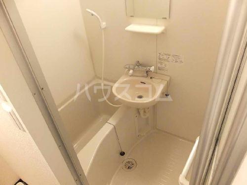 レオネクストレジーナⅢ 205号室の洗面所