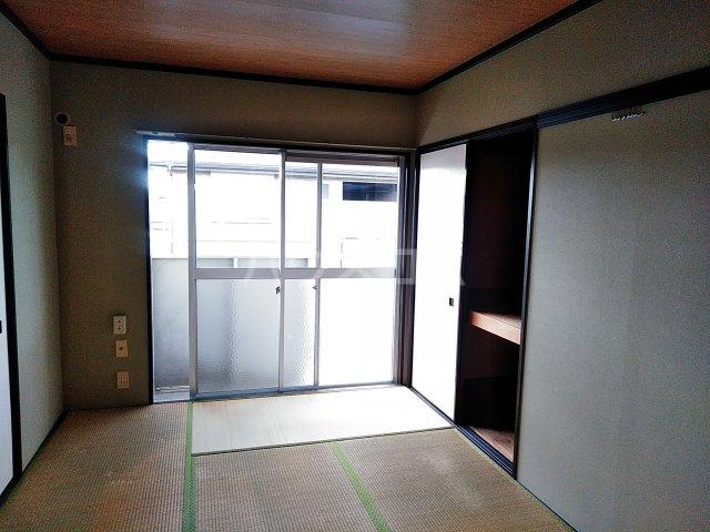 サニーコート 202号室のリビング
