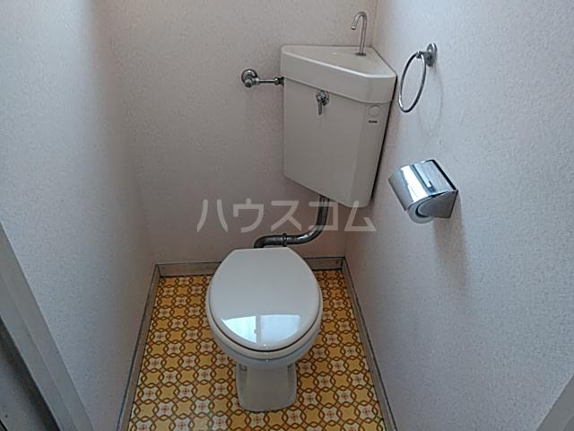 ハイツ南平台 A号室のトイレ