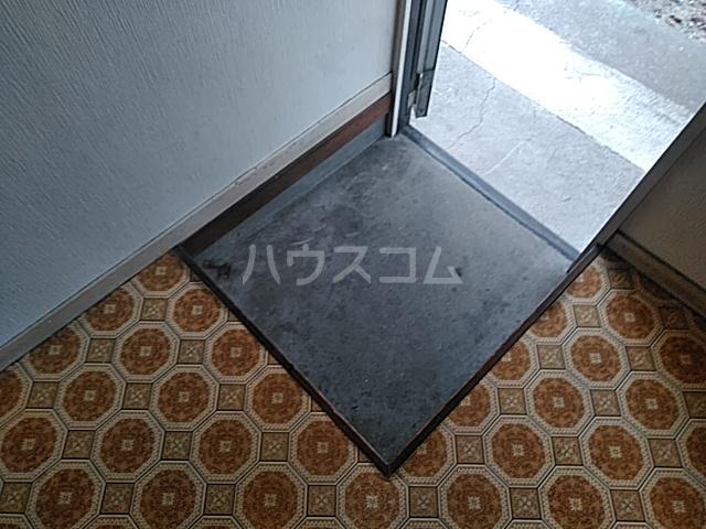ハイツ南平台 A号室の玄関