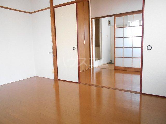 松山コーポ 201号室のリビング