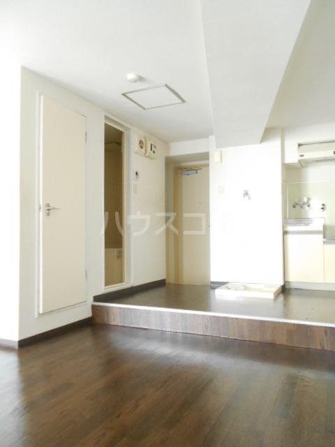 オードリービル 603号室の居室