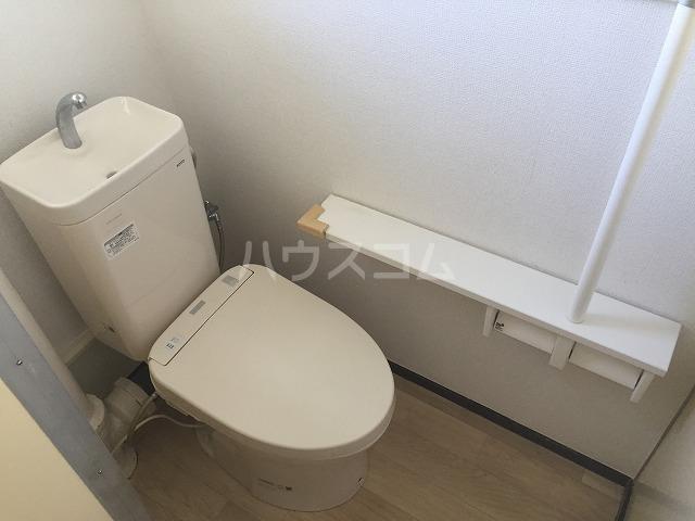 港南台ひばり団地21号棟 305号室のトイレ