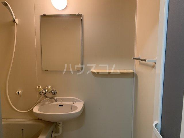 桜ヶ丘アイランド 108号室の洗面所