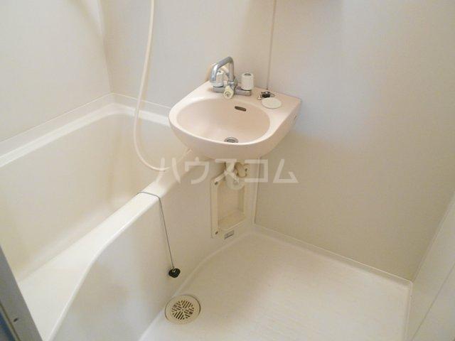 ヤガラハイツ 205号室の風呂