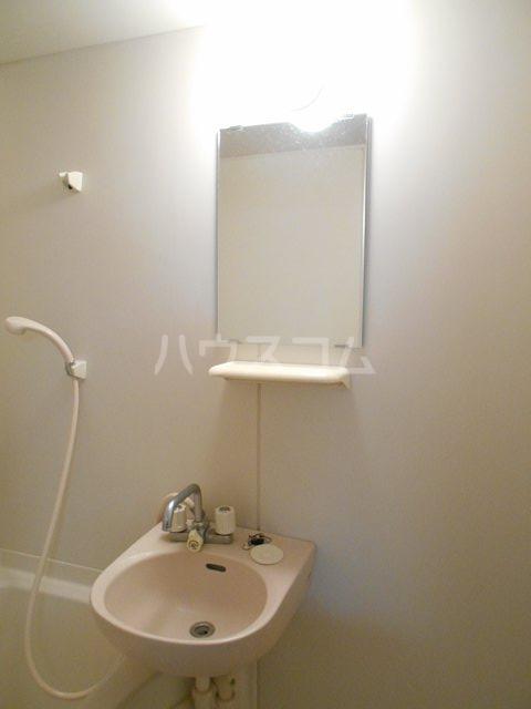 ヤガラハイツ 205号室の洗面所
