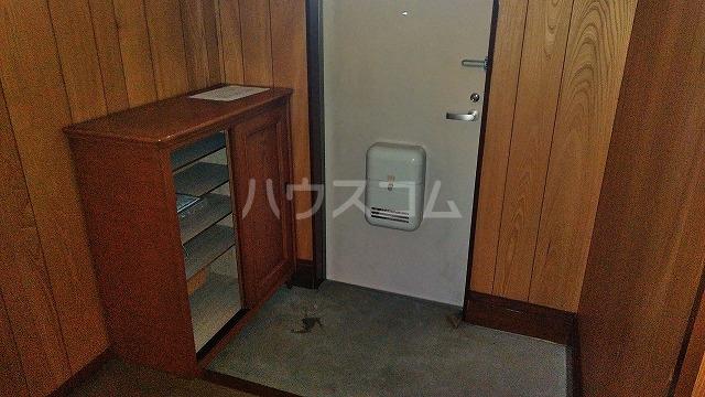 グラフィックスギャラリー 2-A号室の玄関
