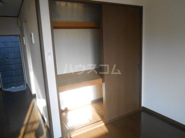 第二稲荷山ハイツB 2-D号室のベッドルーム