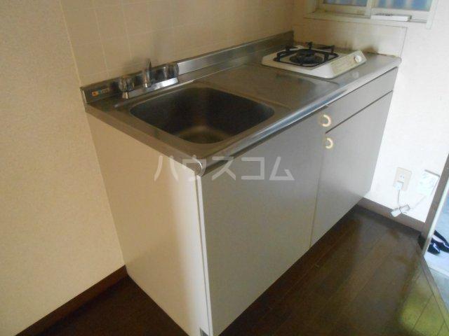 第二稲荷山ハイツB 2-D号室のキッチン