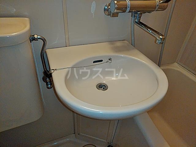 プロバンス 102号室の洗面所