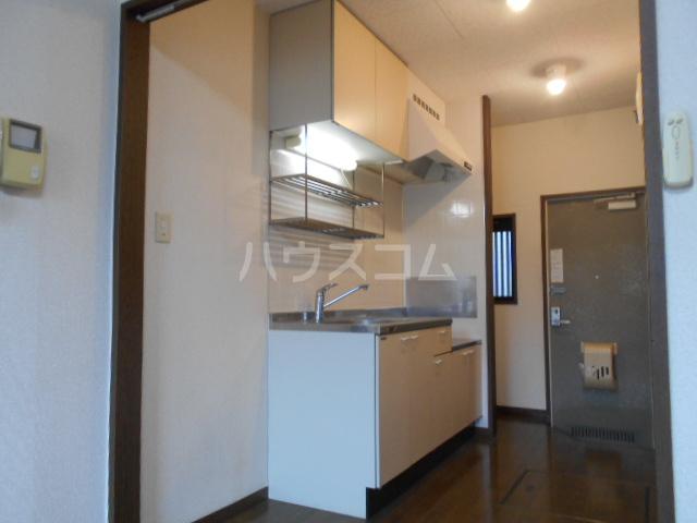 プチハウス 1-A号室のキッチン