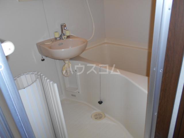 プチハウス 1-A号室の風呂