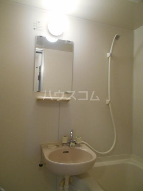プチハウス 1-A号室の洗面所
