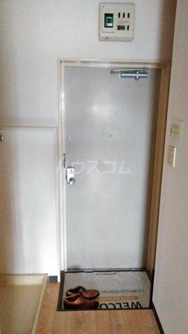 メゾン・ド・ドリーム横浜 27号室の玄関