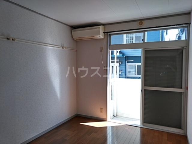 ホワイトウッドA 102号室の収納
