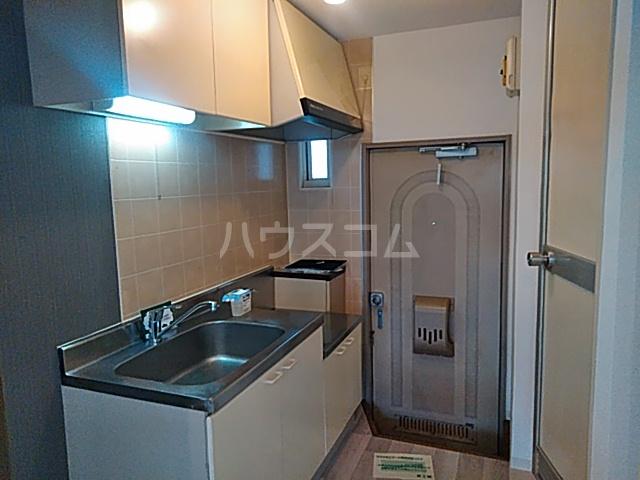 アルカディア岩井 0101号室のキッチン