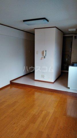 メゾンド・弘明寺 302号室の居室