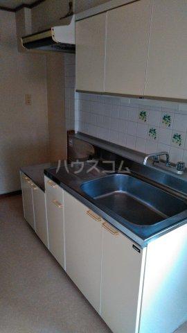 メゾンド・弘明寺 302号室のキッチン