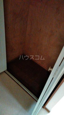 メゾンド・弘明寺 302号室の収納