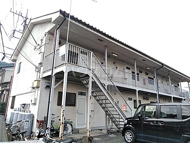 佐藤アパート 201号室の外観