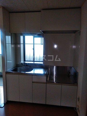 コーポアテリア 1-32号室のキッチン