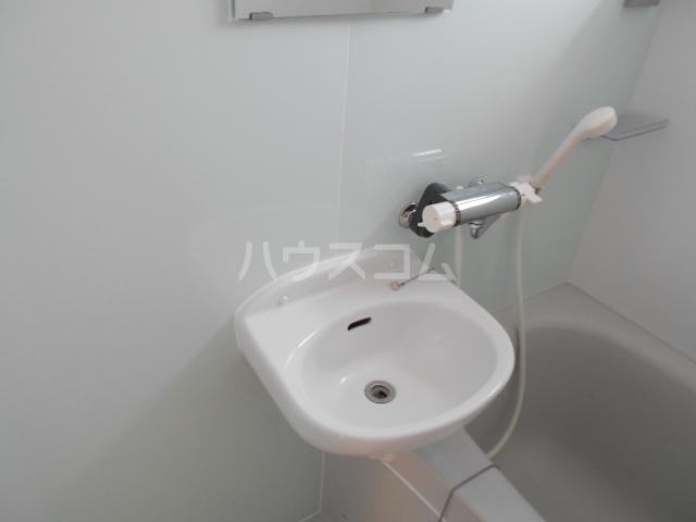ミユキハイツ 202号室の洗面所
