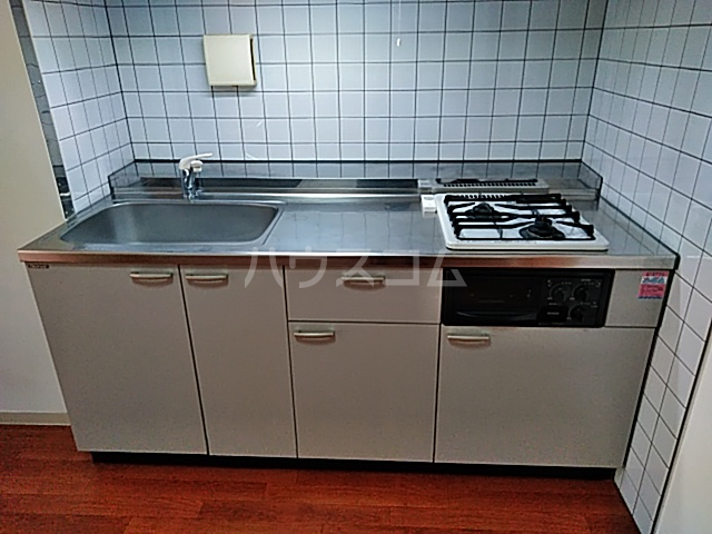 Ysトレゾワ関内 402号室のキッチン