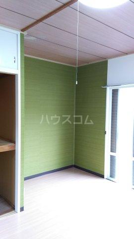 ビューラーオークボB棟 103号室の居室