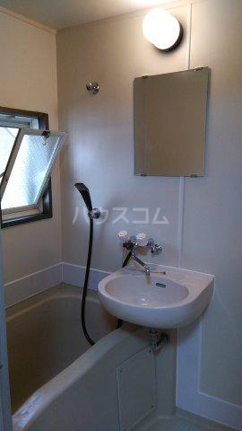 ビューラーオークボB棟 103号室の洗面所