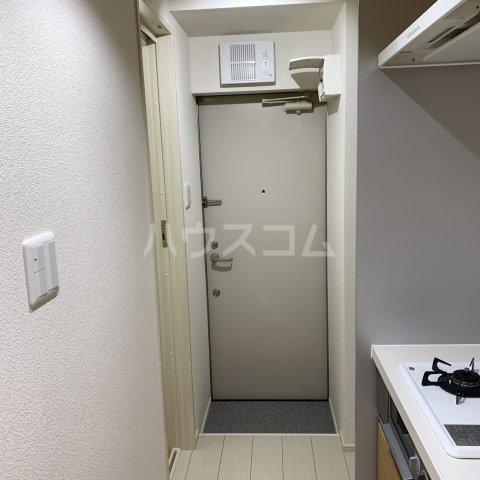 アイビーⅤ 102号室の玄関