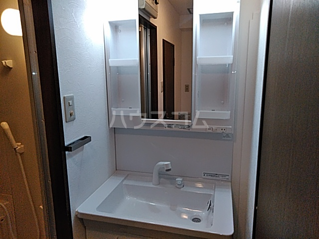 OAK PLAZA 0301号室の洗面所