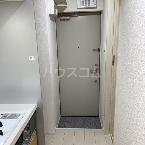 アイビーⅤ 203号室の玄関