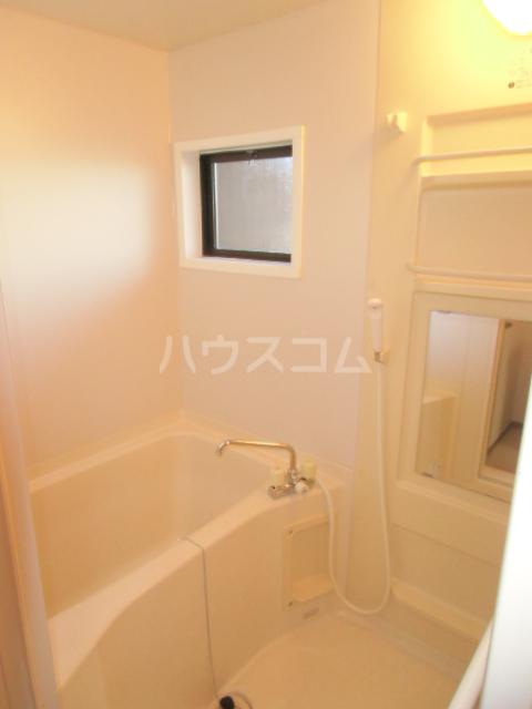 リヴェールJ Ⅰ棟 202号室の風呂
