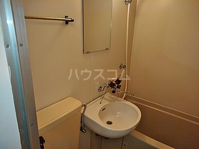 ラックスホーム本牧ヒルズパートⅡ 22号室の洗面所