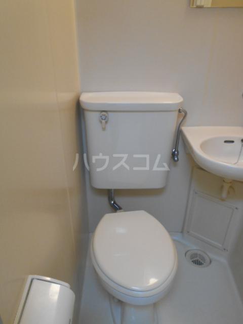 タートルストーンビル 115号室のトイレ