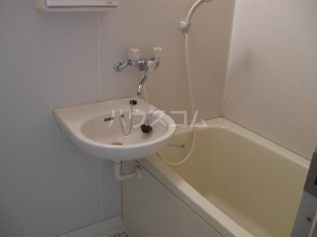 ヴェルディやまぐちC 203号室のトイレ