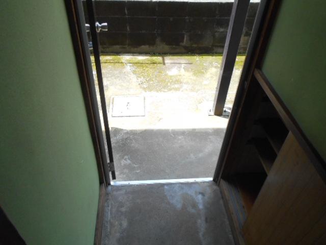長崎荘 102号室の玄関