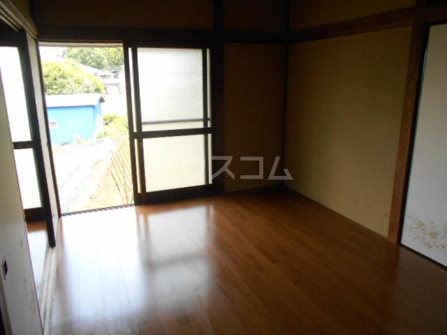 長崎荘 102号室の居室