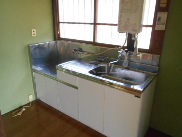 長崎荘 102号室のキッチン