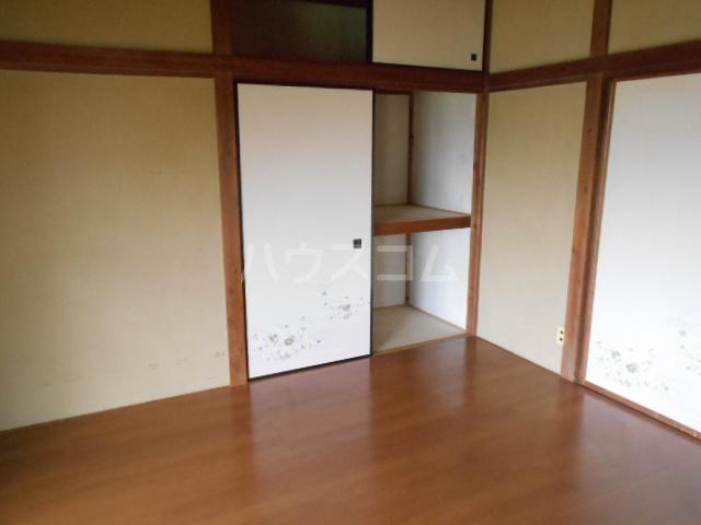 長崎荘 102号室のリビング