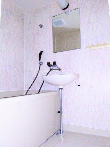 グランドマンション6 102号室の風呂